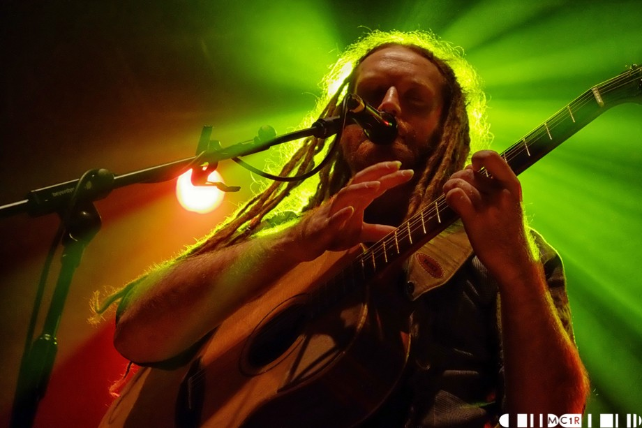 Newton Faulkner in Pictures