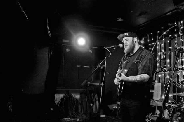 Peter Bacon at Mad Hatters Inverness, 24:11:2017