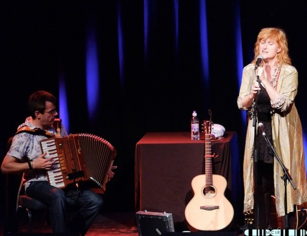 Eddi Reader 17 600x461 - Eddi tops the show