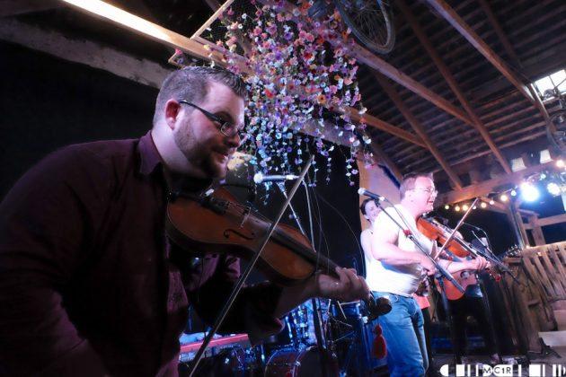 Blazin Fiddles at Brew at the Bog 2016 4  630x420 - Blazin Fiddles Brew at the Bog 2016 - Pictures