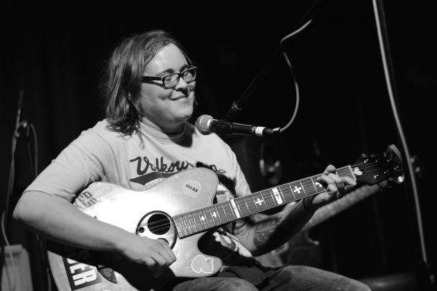 Sarah Williamson at Mad Hatters Inverness 3 630x420 - John Otway, 14/08/16 - Images