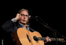 Dougie MacLean 2102017 Strathpeffer Pavilion Images 16 218x150 - Groove
