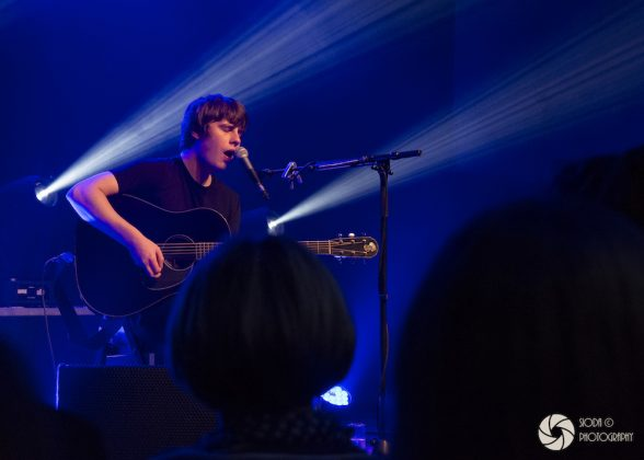 Jake Bugg at Strathpeffer Pavilion 16112017 8 588x420 - LIVE REVIEW and IMAGES - Jake Bugg, 16/11/2017