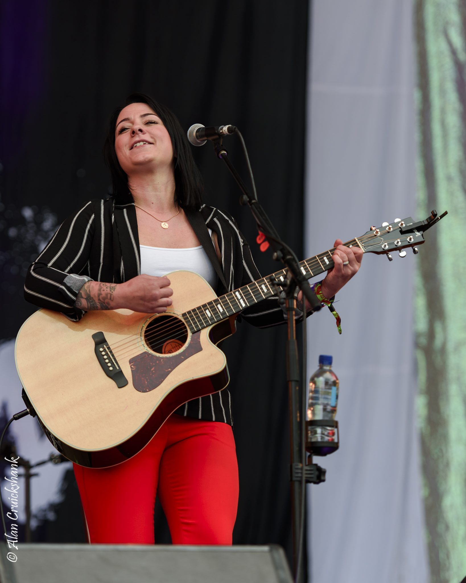 ou4pO - Lucy Spraggan Friday Belladrum 2018 - IMAGES