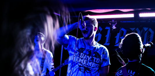 Below The Neck at Tooth Claw October 2018 20 533x261 - Below The Neck, 5/10/2018 - Images
