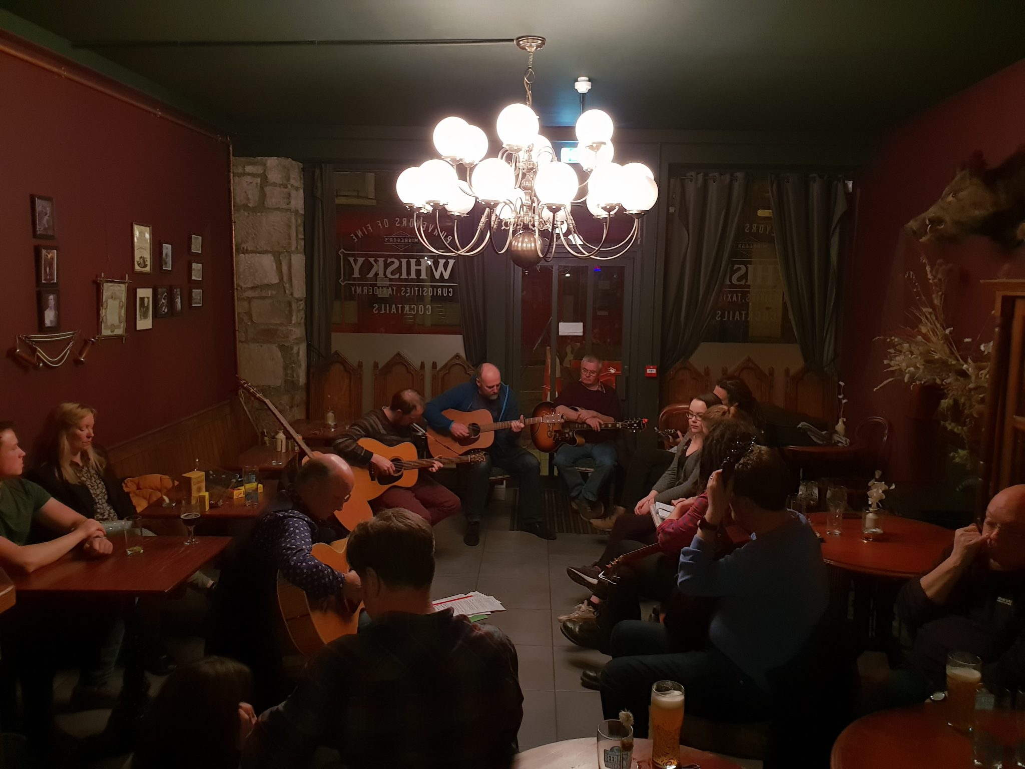 20181113 215533 - A look at the Songwriters Circle