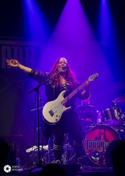 UFO with Tara Lynch at Ironworks in March 2019 578 428x600 - REVIEW AND IMAGES - UFO, Ironworks Inverness.