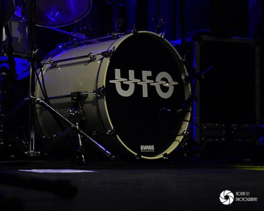 UFO with Tara Lynch at Ironworks in March 2019 585 530x424 - REVIEW AND IMAGES - UFO, Ironworks Inverness.