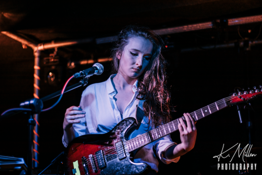 Zoe Graham at Tooth Claw Inverness 0043 530x354 - Tenement TV Tour, 27/4/2019 - Images