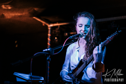 Zoe Graham at Tooth Claw Inverness 0055 530x354 - Tenement TV Tour, 27/4/2019 - Images