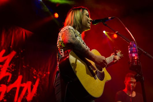 Lucy Spraggan at Ironworks Inverness 17 530x354 - Lucy Spraggan, 2/5/2019 - Images