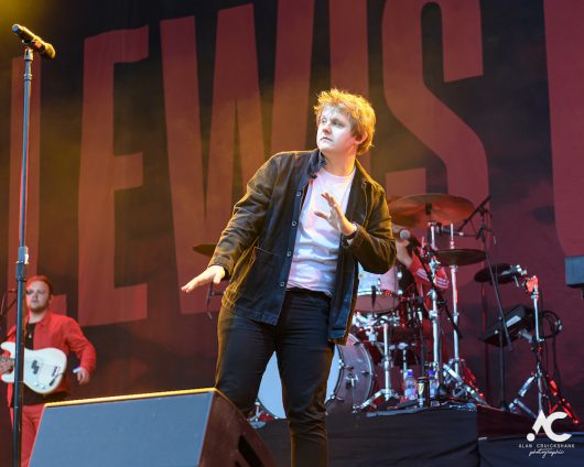 Lewis Capaldi Belladrum 2019 10 530x424 - Lewis Capaldi, Belladrum 2019 - Images