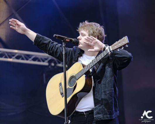 Lewis Capaldi Belladrum 2019 14 530x424 - Lewis Capaldi, Belladrum 2019 - Images
