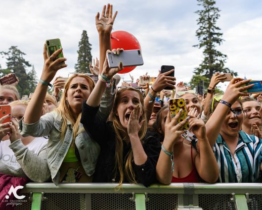 Lewis Capaldi fans Belladrum 2019 1 530x424 - Saturday Folk, Belladrum 2019