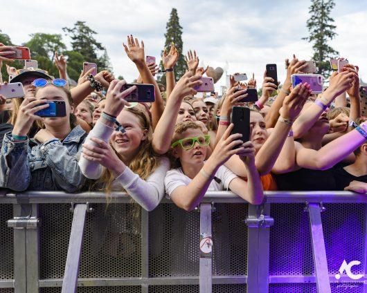Lewis Capaldi fans Belladrum 2019 1a 530x424 - Saturday Folk, Belladrum 2019
