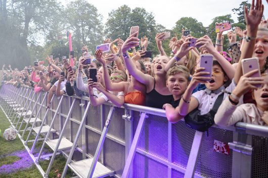 Lewis Capaldi fans Belladrum 2019 2 530x353 - Saturday Folk, Belladrum 2019