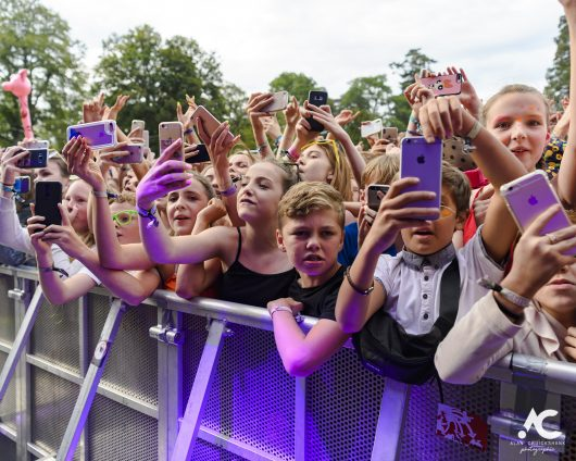 Lewis Capaldi fans Belladrum 2019 2a 530x424 - Saturday Folk, Belladrum 2019