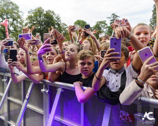 Lewis Capaldi fans Belladrum 2019 2a 530x424 - Saturday Folk, Belladrum 2019