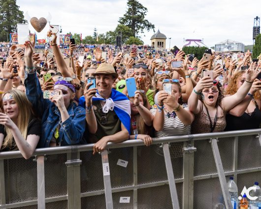 Lewis Capaldi fans Belladrum 2019 3a 530x424 - Saturday Folk, Belladrum 2019