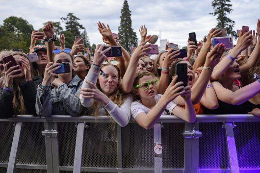 Lewis Capaldi fans Belladrum 2019 4 530x353 - Saturday Folk, Belladrum 2019