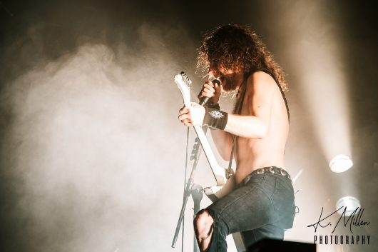 AIRBOURNE 11 530x353 - Airbourne, 20/11/2019 - Images