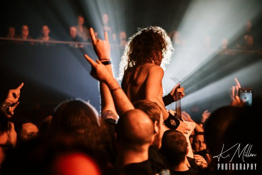 AIRBOURNE 13 530x353 - Airbourne, 20/11/2019 - Images