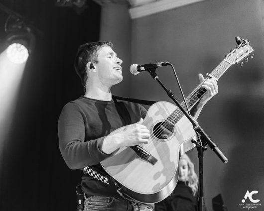 Gordon James and The Power acoustic Strathpeffer Pavilion February 2020 31 530x424 - Tom Walker, 7/2/2020 - Images and Review