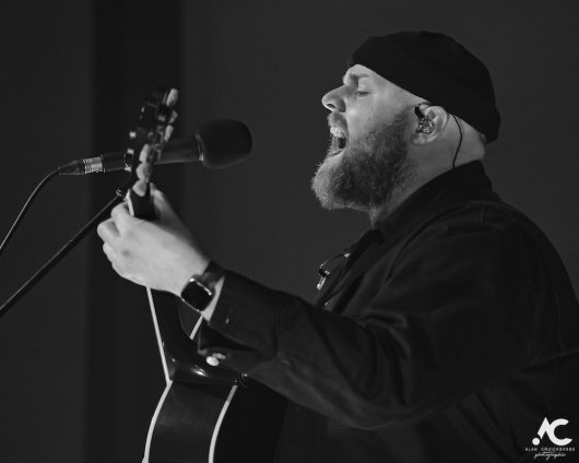 Tom Walker Strathpeffer Pavilion February 2020 3a 530x424 - Tom Walker, 7/2/2020 - Images and Review
